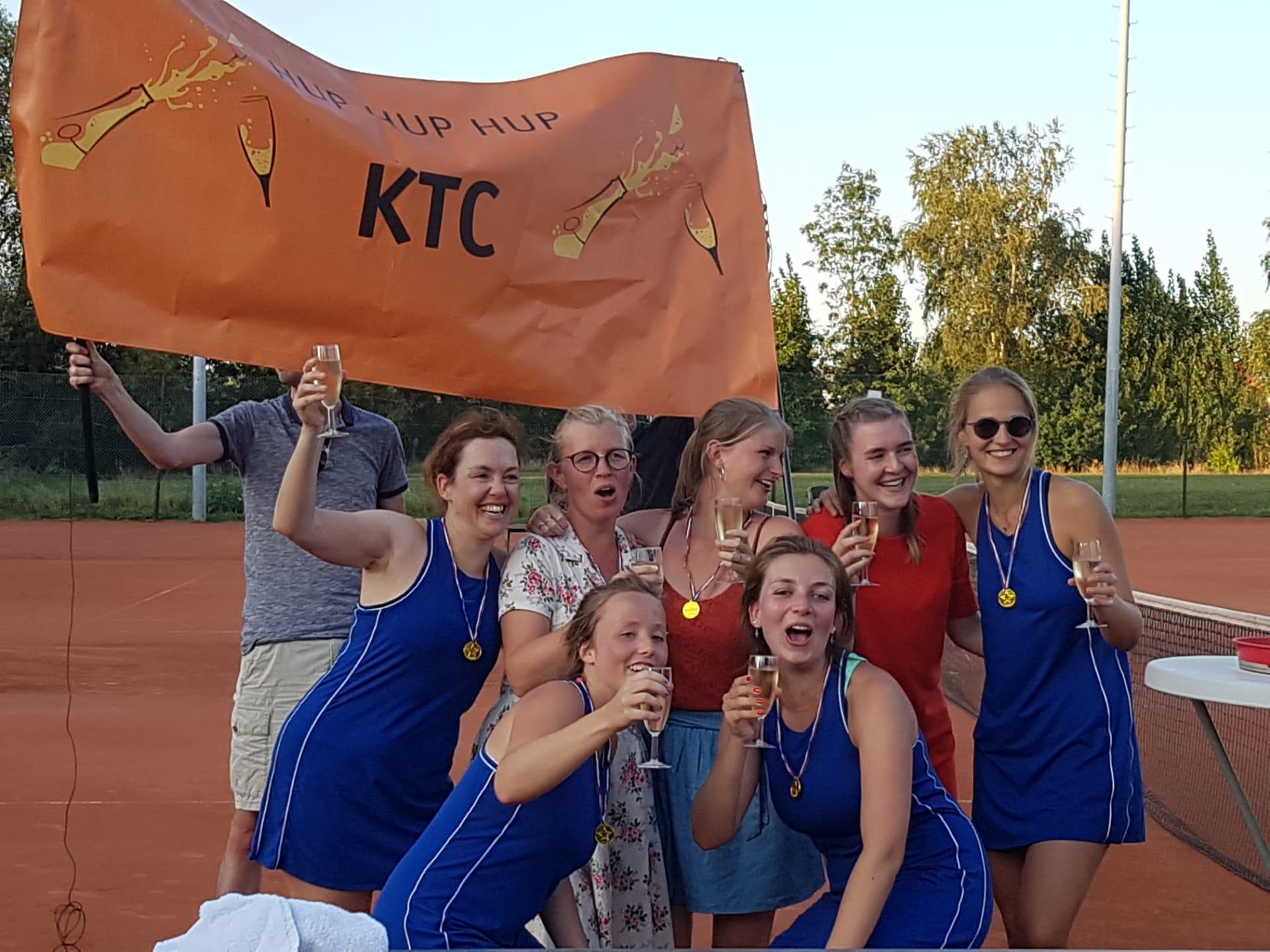 Interclub dames 95 – kampioenen